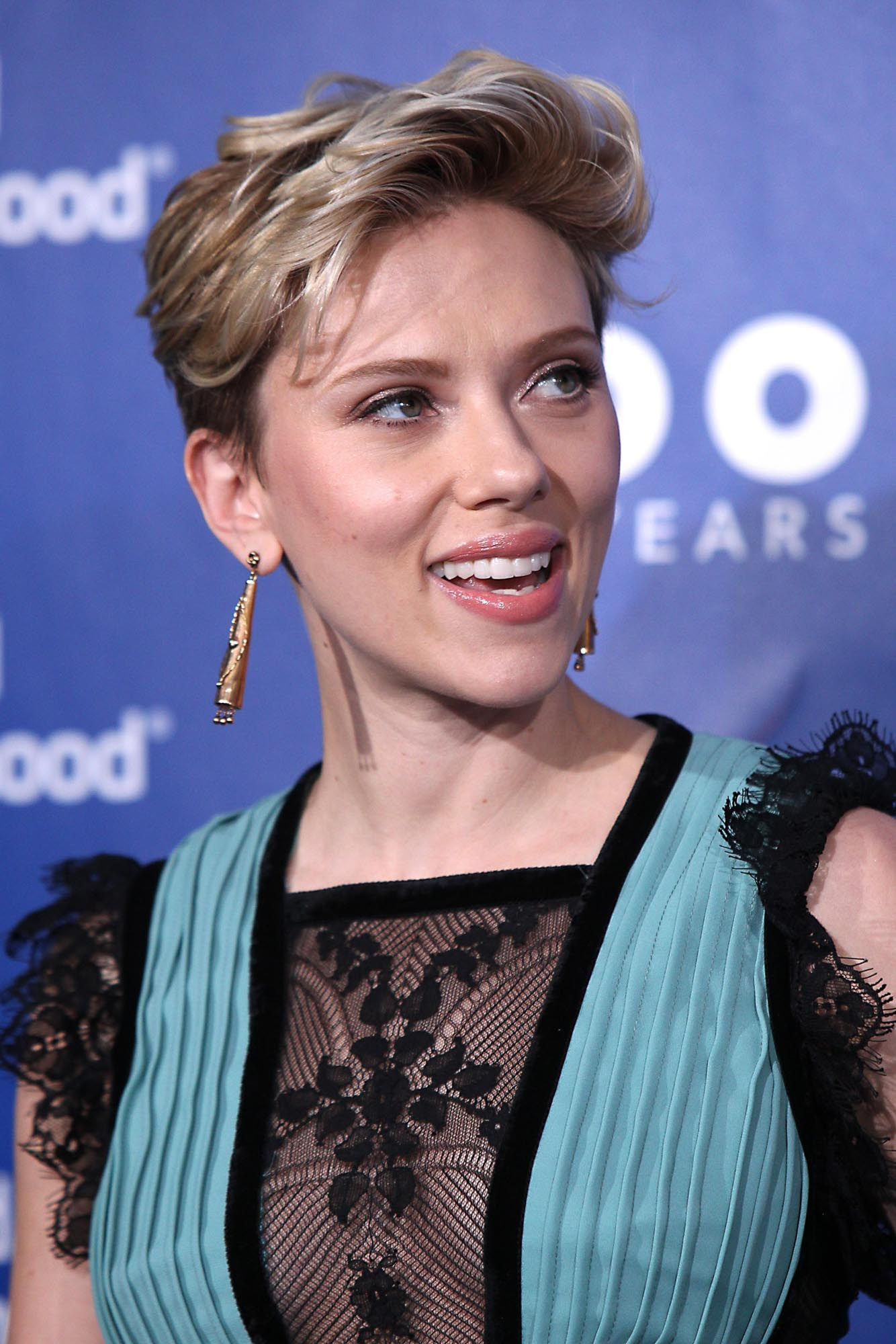 Adoring Scarlett Johansson Photo Archives