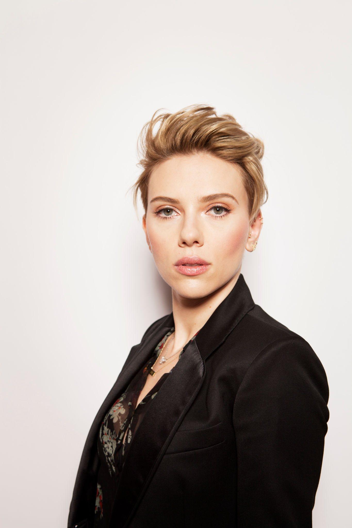 Adoring Scarlett Johan...